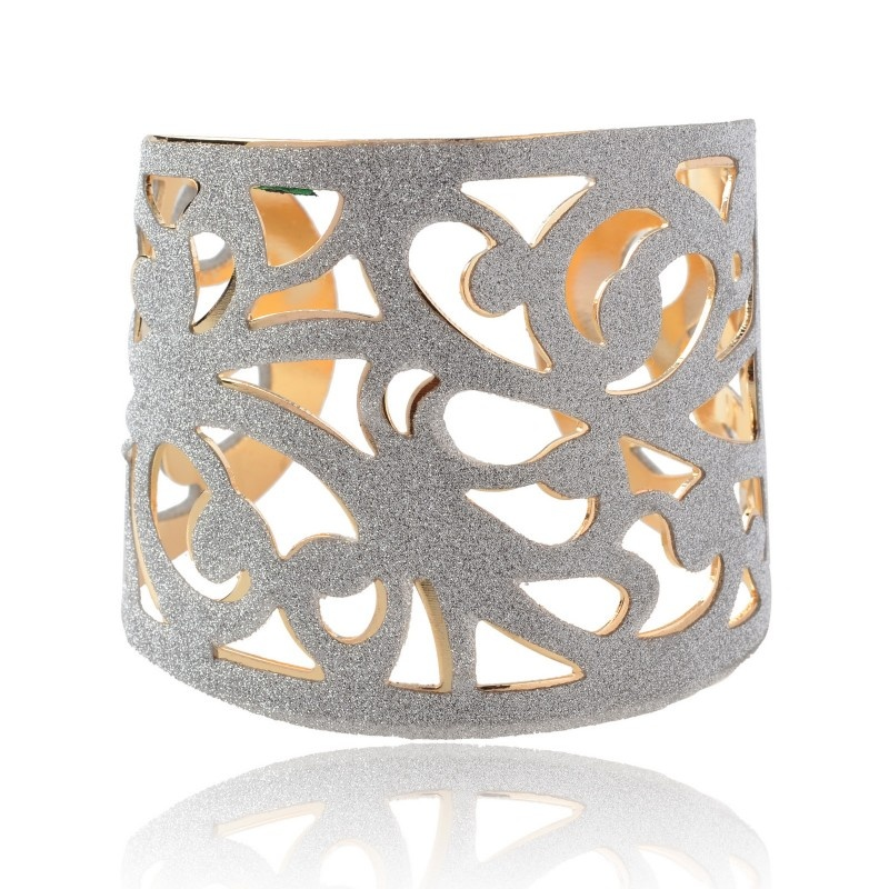 N15K-800x800 49 Famous Forearm Jewelry Pieces