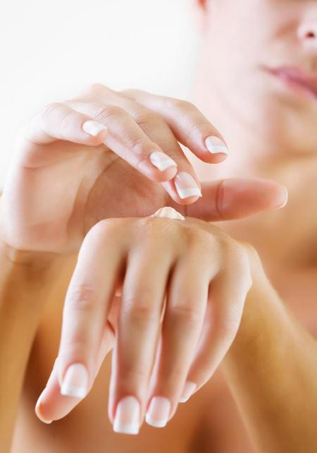 Smerete_remedies_for_fair_hands 10 Ways To Get Beautiful Hands