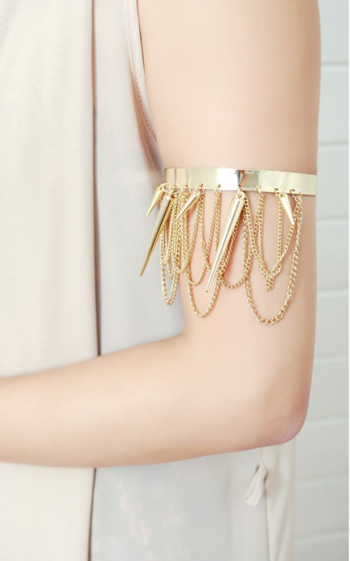ab6176-gld01 49 Famous Forearm Jewelry Pieces