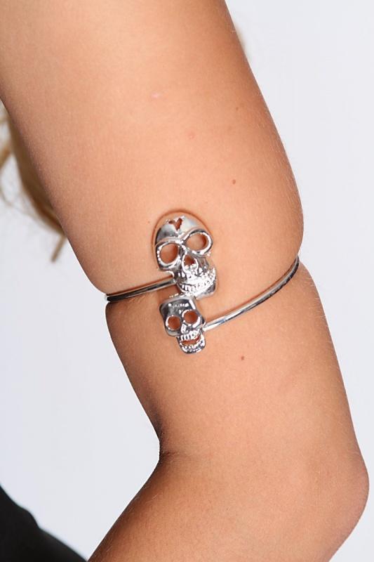 accessories-bracelets-iii1-kpb9393silver_2 49 Famous Forearm Jewelry Pieces