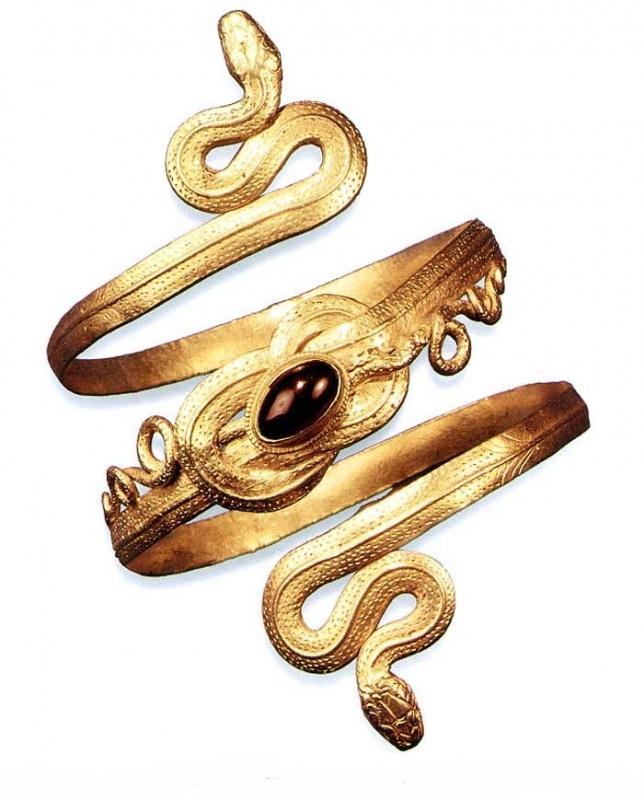 ancient-greek-bracelet-1 49 Famous Forearm Jewelry Pieces