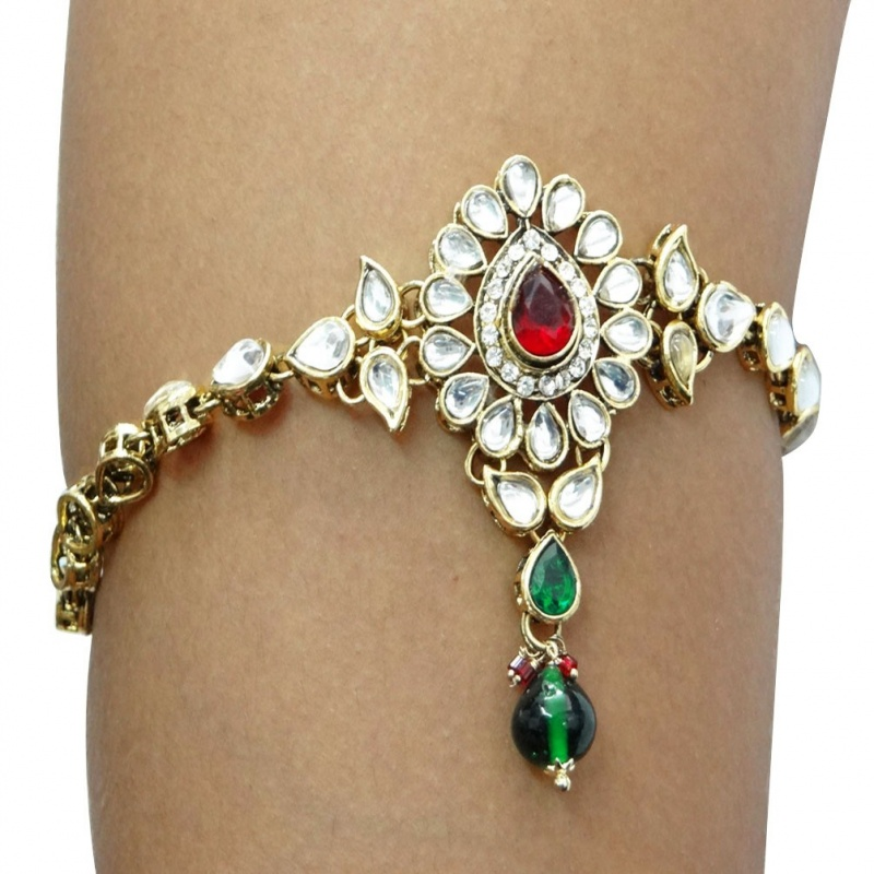 arm185-1 49 Famous Forearm Jewelry Pieces