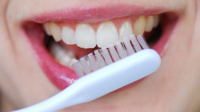 brushing_teeth_900.jpg-ve1tl1 Learn How To Brush Your Teeth In The Right Way