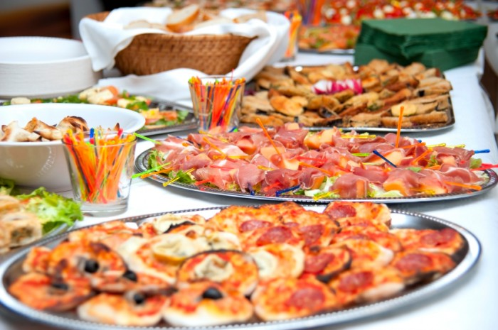holidayeatinglynn 5 Simple Ways To Stop Overeating On Holidays