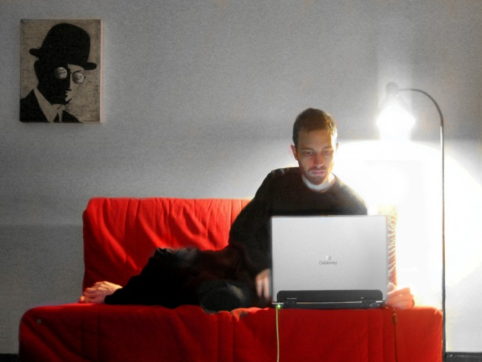 image 10 Signs You Might Be An Internet-Addicted