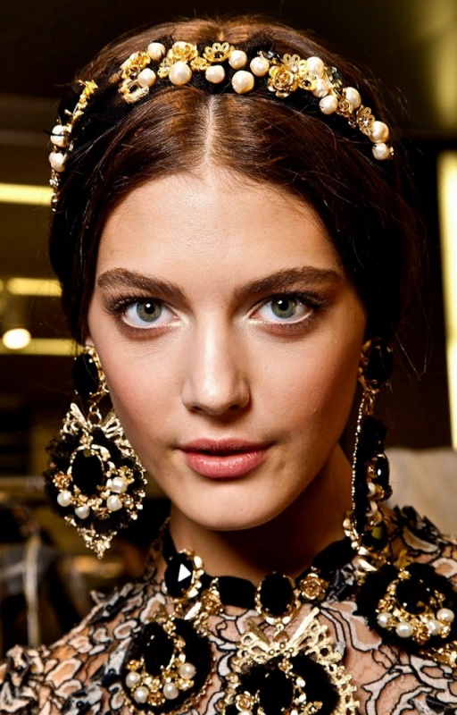 jeweled-headbands Hair Jewelry: Learn What to Wear in Your Hair