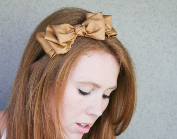 tucked-bow-in-gold-headbands-for-women-and-teens-1024x804 Hair Jewelry: Learn What to Wear in Your Hair