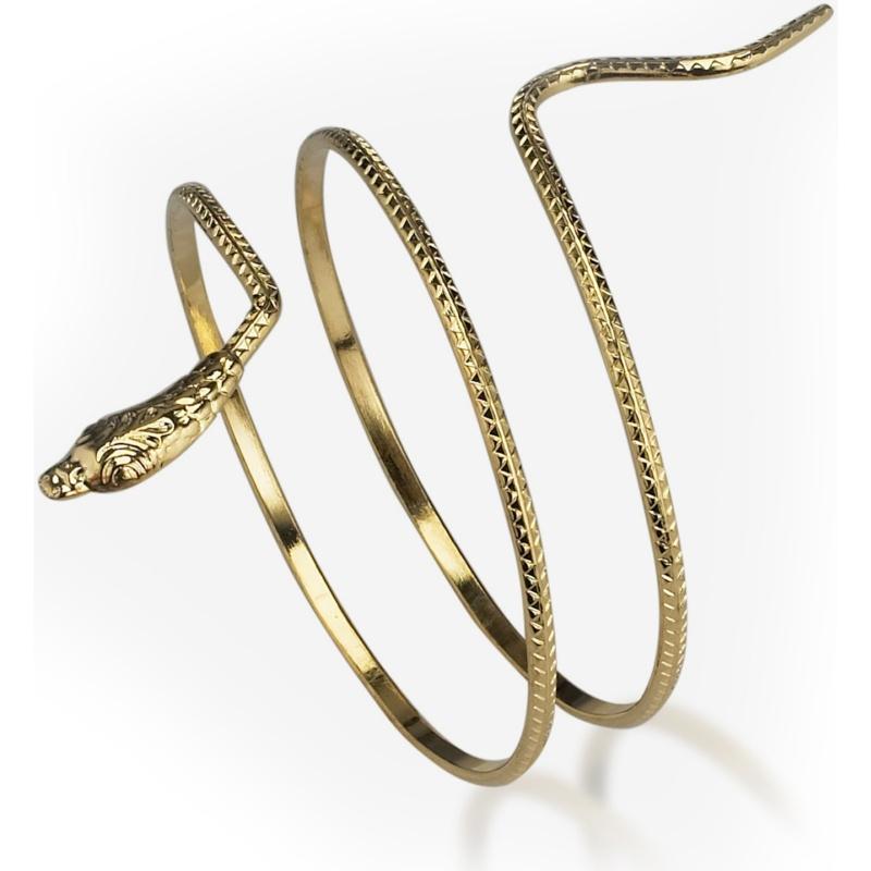 url21 49 Famous Forearm Jewelry Pieces