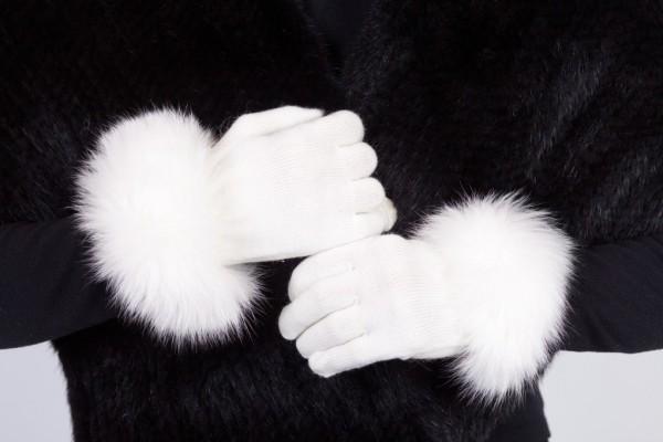 white-ktg Top 79 Stylish Winter Accessories in 2021
