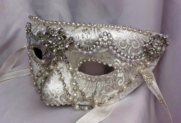 white_diamond_masquerade_mask_by_daragallery-d6tdlfj 89+ Stylish Masquerade Masks in 2018