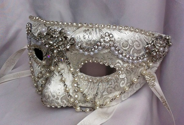 white_diamond_masquerade_mask_by_daragallery-d6tdlfj 89+ Most Stylish Masquerade Masks in 2020