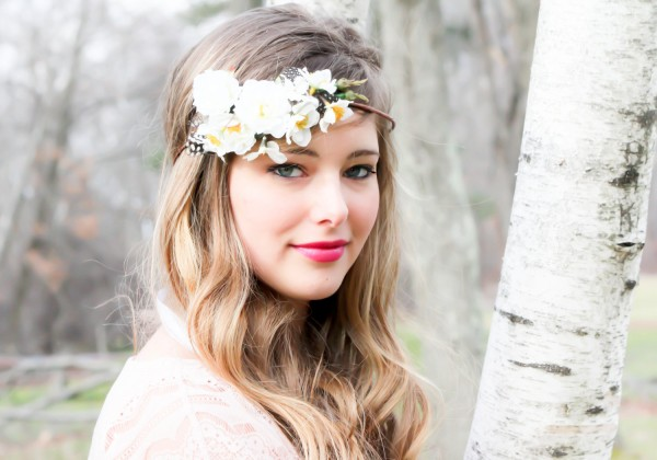 with-headband Hair Jewelry: Learn What to Wear in Your Hair