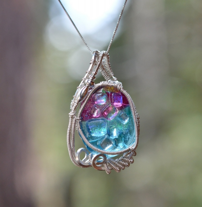 105044.351142 Make Special Gifts For Your Friends with Wire Jewelry