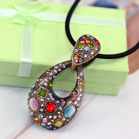 634617156945530000 These 25+ Multicolor Jewels Will Live Up Your Outfit And Uplift Your Mood As Well