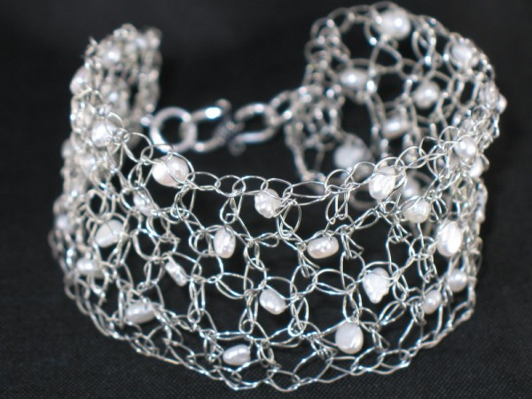 Bernstein-Crocheted-Silver-Wire-Cuff-Bracelet-with-White-Freshwater-Pearls Make Special Gifts For Your Friends with Wire Jewelry