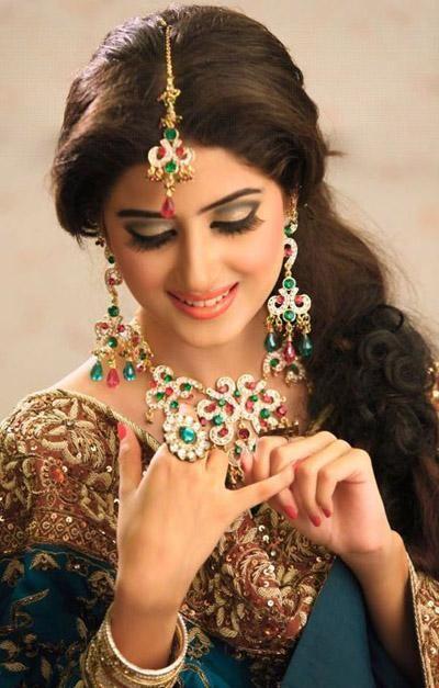 Bridal-Jewellery-Sets-For-Pakistani-Brides-007 Most Stunning Designs Of Pakistani Bridal Jewels