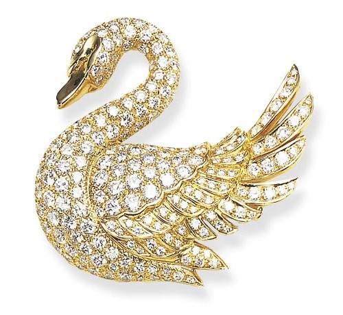 Diamond-and-Gold-Swan-Brooch-Van-Cleef-Arpels-500x460 15+ Unique And Elegant Designs Of Christmas Jewels