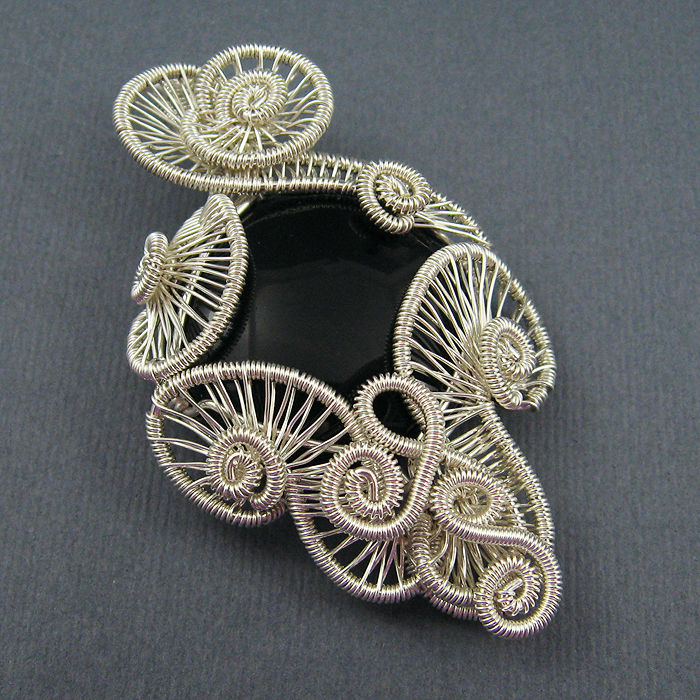 F9MY469HH2VYI78.LARGE_ Make Special Gifts For Your Friends with Wire Jewelry
