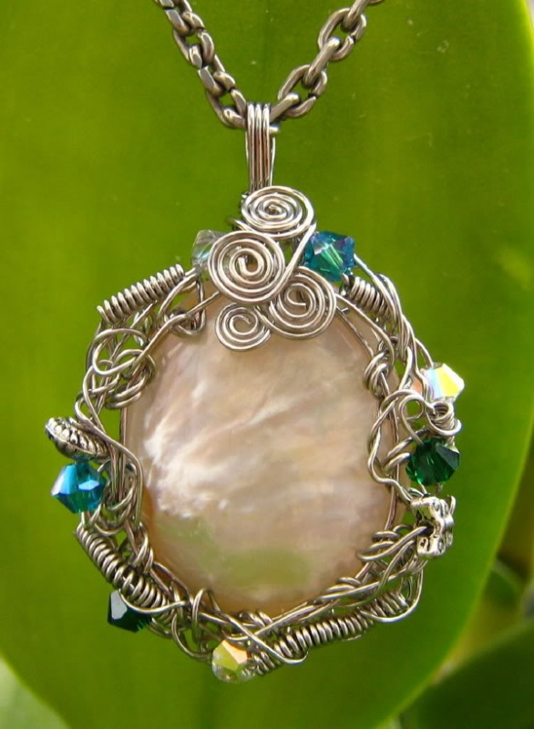 Pendant2 Make Special Gifts For Your Friends with Wire Jewelry