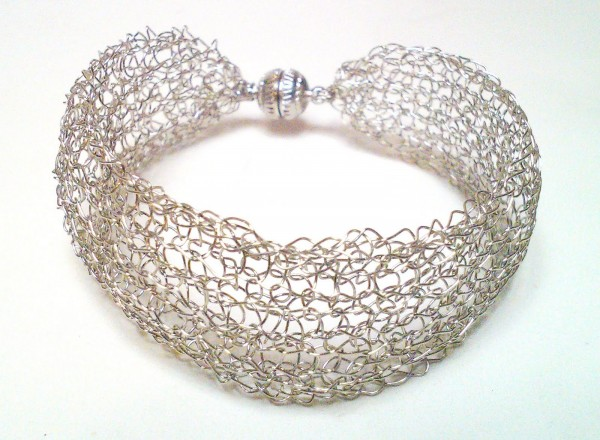 WP_000999 Make Special Gifts For Your Friends with Wire Jewelry