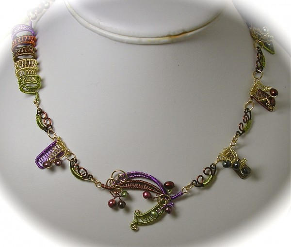WireWeave1a Make Special Gifts For Your Friends with Wire Jewelry