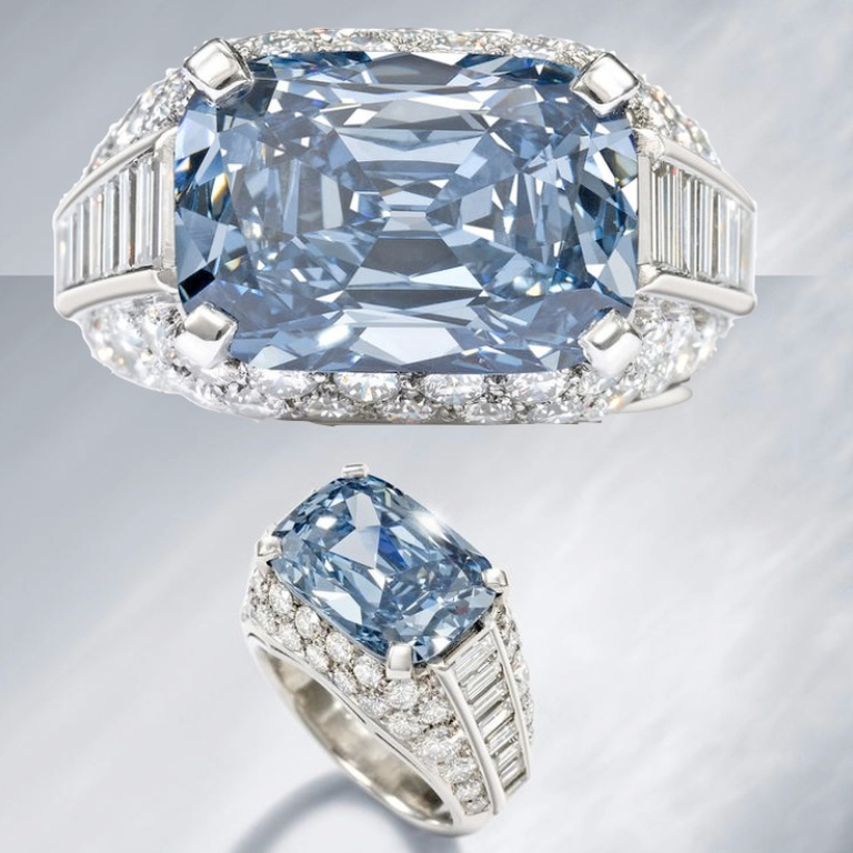 blue-diamond-ring Top 10 Most Expensive Women's Wedding Rings
