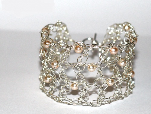 bracelet-tut20 Make Special Gifts For Your Friends with Wire Jewelry