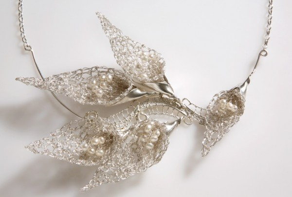 calla-flower-necklace Make Special Gifts For Your Friends with Wire Jewelry