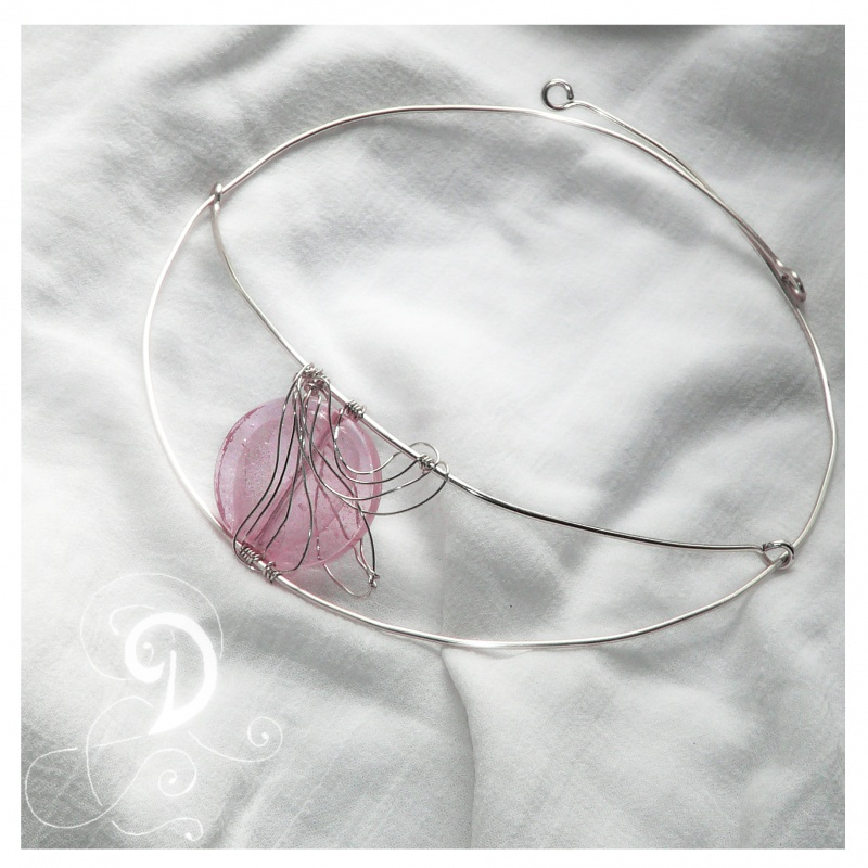 colier-sticla-murano-glas-roz-bijuterii-handmade-jewelry-argintate-silver-plated-wire-sarma-argintata-1 Make Special Gifts For Your Friends with Wire Jewelry