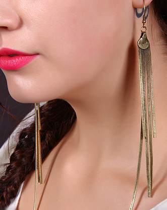 earring-fashion-jewelry-trends5-2012 35+ Most Fashionable Women and Girls Earrings Designs