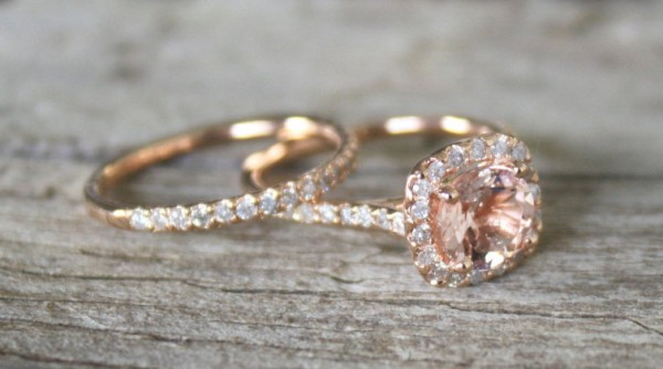 feature-rose 30 Elegant Design Of Engagement Rings In Rose Gold