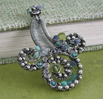 il_430xN.122629848 Make Special Gifts For Your Friends with Wire Jewelry