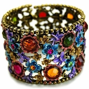 img-thing These 25+ Multicolor Jewels Will Live Up Your Outfit And Uplift Your Mood As Well