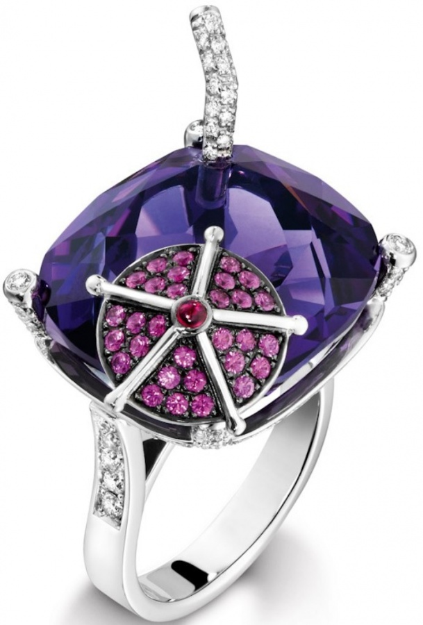 piaget-cocktail-ring-blueberry-daiquiri 2020 Trends: Top 10 Luxury Jewelry Brands in the World