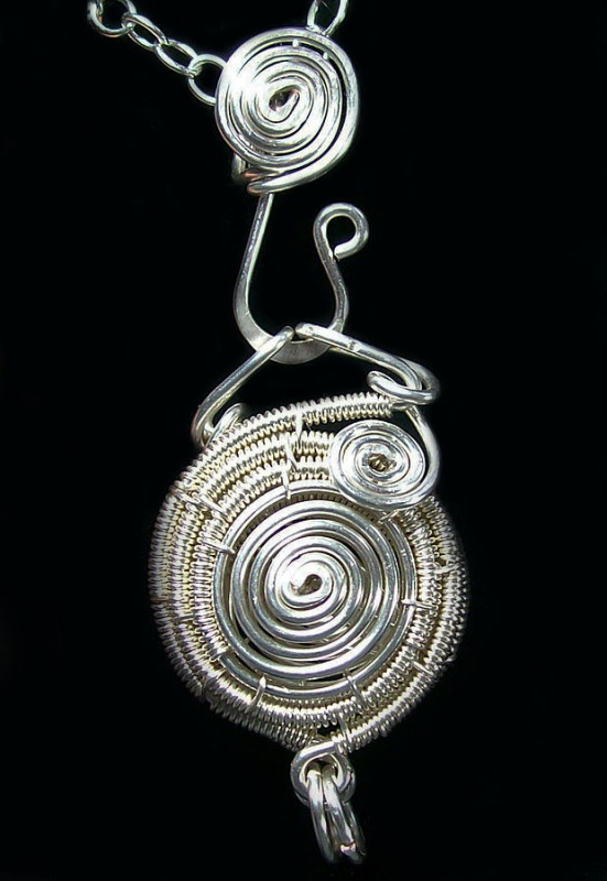 silver-spiral-wire-work-locket-heather-jordan Make Special Gifts For Your Friends with Wire Jewelry