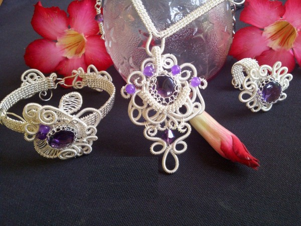wire_jewelry_pendant_by_joeng2jewelry-d5n3v0w Make Special Gifts For Your Friends with Wire Jewelry
