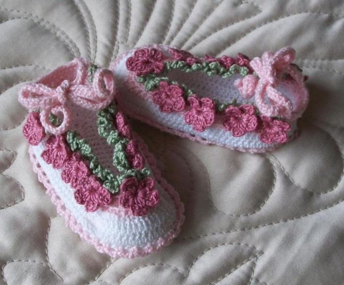 1-125 20 Awesome & Fabulous Collection of Crochet Slippers for Newborn Babies