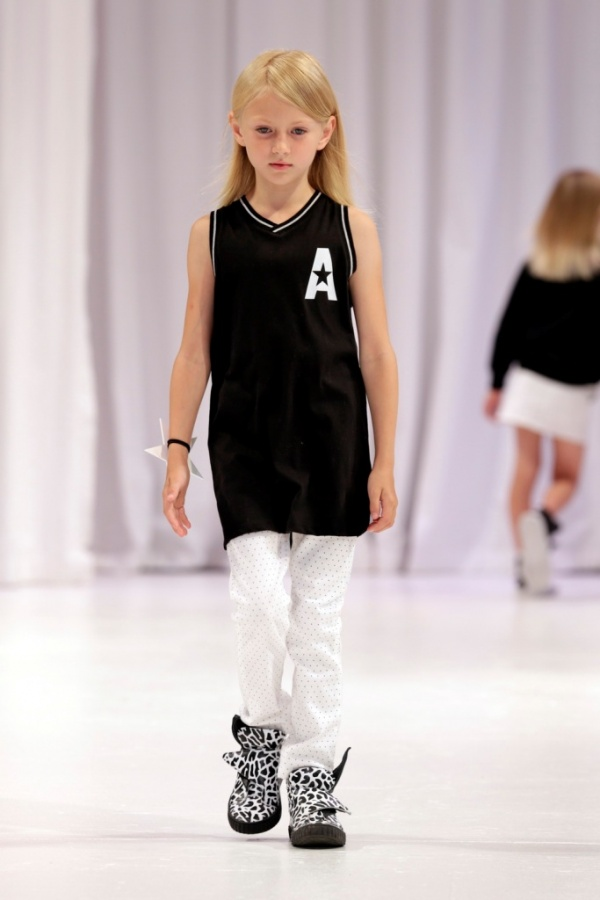 1-201 Top 15 Amazing Kids Clothes for Next Summer