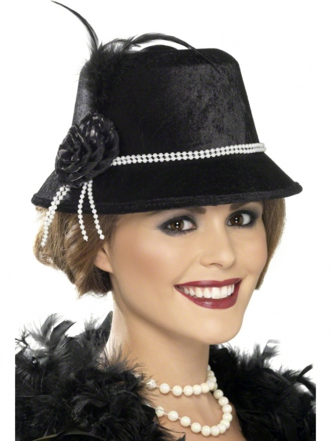 20s-hat-33445 The 20 Most Common Fashion Trends & Fads in 1920's