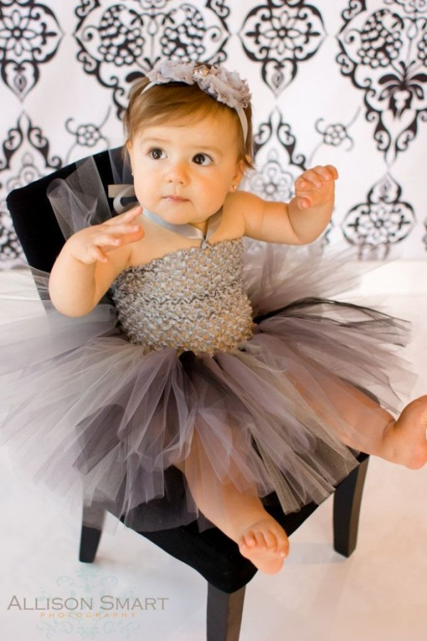 5b8b9fffeb1f37feba92821f8637ba5b 25 Magnificent & Dazzling Collection of Crochet Dresses for Baby Girls