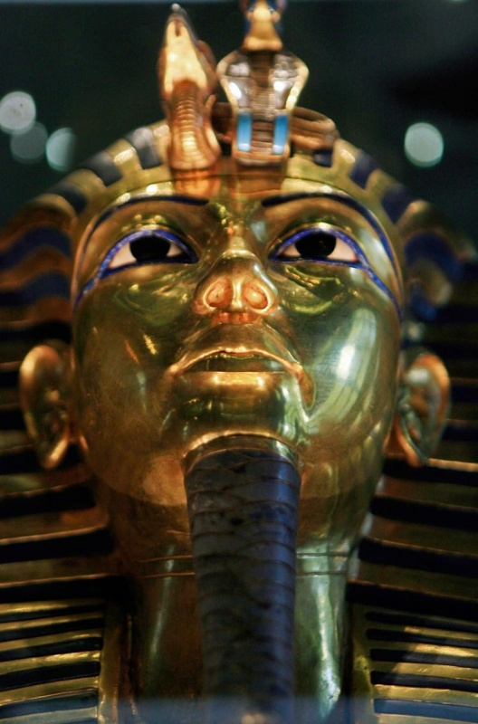 96820456 39 Most Famous Pharaohs Gold Statues