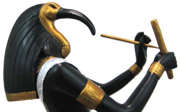E5EC8E9B-301B-46F0-B6E16E4ADF58F356 39 Most Famous Pharaohs Gold Statues