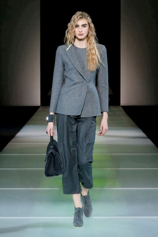 Giorgio-Armani-Woman-wear-Fashion-Show-2014-2015-Pictures Latest & Hottest Fashion Trends for Spring 2019
