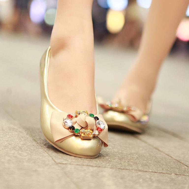 Golden-Flat-Shoes-For-Girls 2017 Shoe Trend Forecast for Fall & Winter