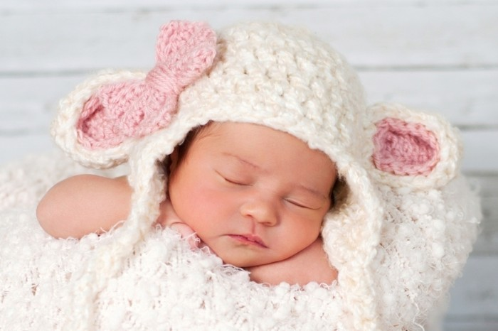 Newborn-Lamb-Hat 20 Marvelous & Catchy Crochet Hats for Newborn babies