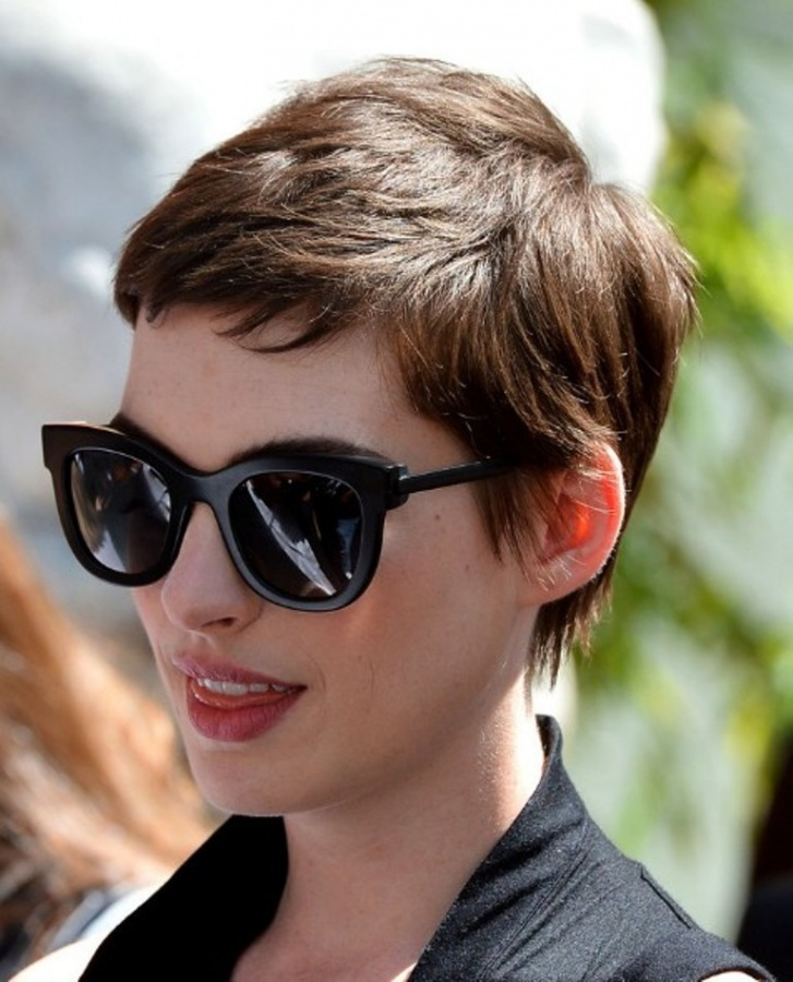 Pixie-haircuts-Anne-Hathaway-Trendy-Short-Pixie-Haircut 25+ Hottest Women's Hairstyle trends Coming Back