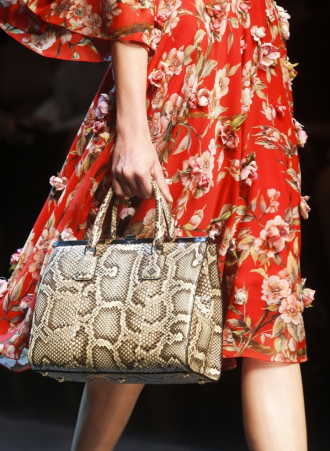 Spring-Summer-2014-accessories-trends-from-Dolce-and-Gabbana-collection-champagne-python-bag 20+ Latest Bag Trends Expected to Come Back in 2019