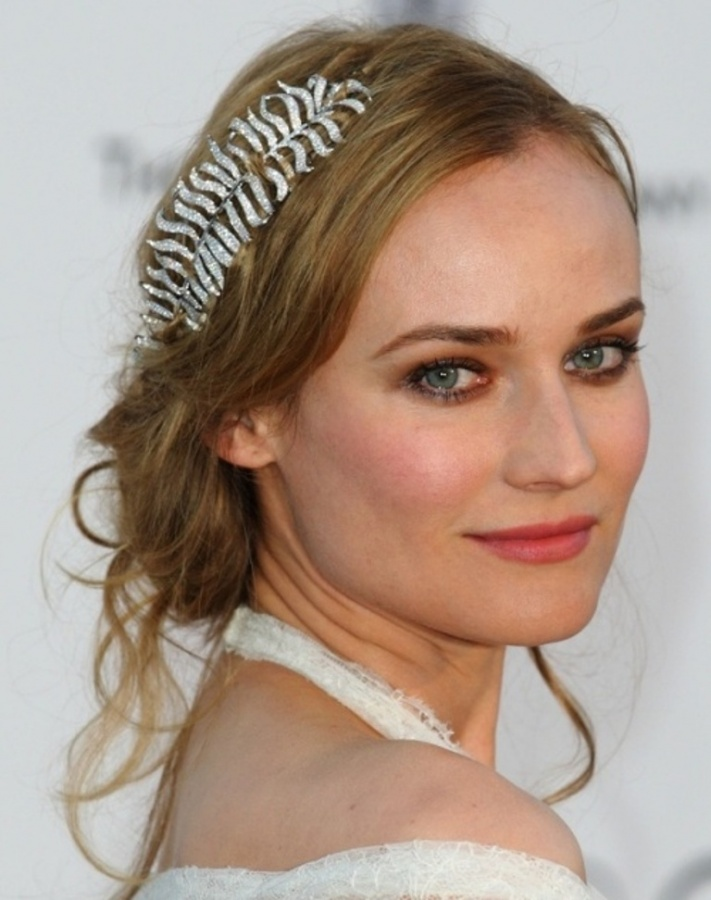Up-dos-top100weddinghairstyles2014_001 25+ Hottest Women's Hairstyle trends Coming Back