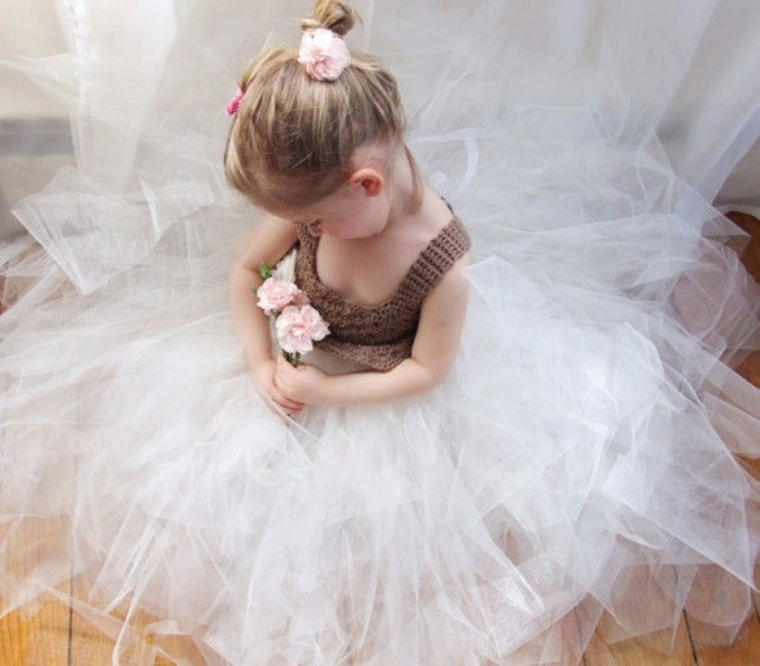 ab461c092f86a916462cb83ba7837ea2 25 Magnificent & Dazzling Collection of Crochet Dresses for Baby Girls