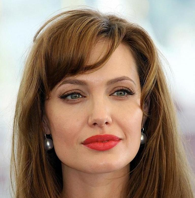 angelina-jolie-with-red-lipstick The 20 Most Common Fashion Trends & Fads in 1920's
